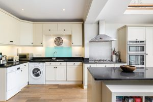 4 bedroom house to rent in Chudleigh Road, Twickenham TW2