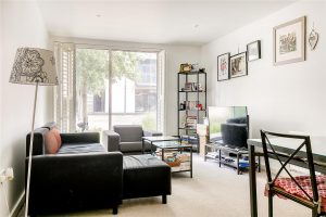 2 bed flat to rent in Union Lane, Isleworth TW7