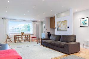 3 bedroom flat to rent in Cambridge Park, East Twickenham TW1