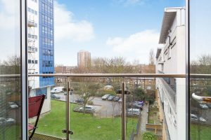 1 bedroom flat to rent in Challis House, Battersea SW11