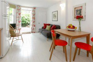 2 bedroom flat to rent in Denholme Road, Maida Hill W9