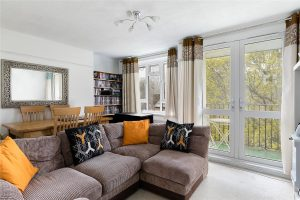 2 bedroom flat to rent in Whitnell Way, Putney SW15