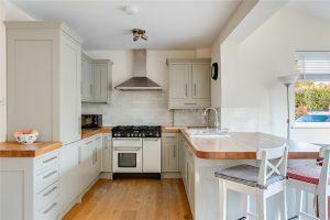 4 bedroom house to rent in Eton Avenue, New Malden KT3
