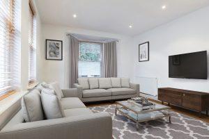 2 bedroom flat to rent in Popes Grove, Twickenham TW2