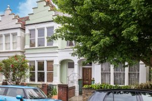 3 bedroom house to rent in Clonmore Street, Southfields SW18