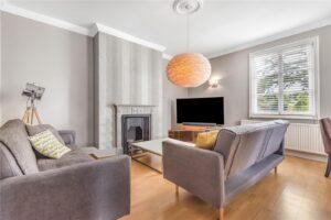 2 bed flat to rent in Marlborough Road, Richmond TW10