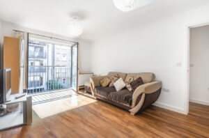 1 bed flat to rent in Furmage Street, Wandsworth SW18