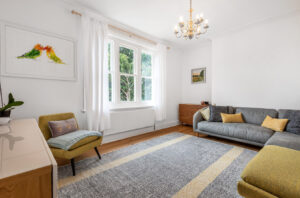 2 bed flat to rent in Grafton Close, Worcester Park KT4
