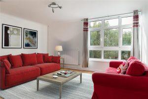 3 bedroom flat to rent in Woking Close, Roehampton SW15
