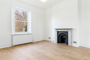 1 bed flat to rent in Keswick Road, Putney SW15