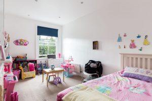 3 bedroom flat to rent in Cresswell Road, East Twickenham TW1