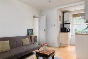 1 bedroom flat to rent in Chiswick Road, Chiswick W4