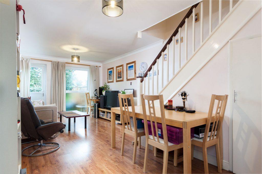2 bedroom house to rent in Vincent Road, Kingston KT1 - swift