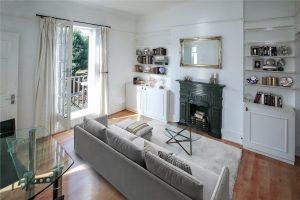 2 bedroom flat to rent in Cromford Road, Putney SW18